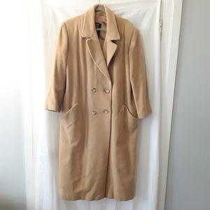ANNE KLEIN   Beige Button Trench Coat